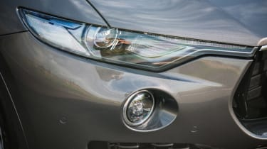 Maserati Levante - headlight
