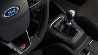 Ford Focus ST 2019 - box