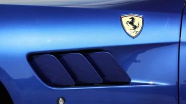 Ferrari GTC4 Lusso T - vent