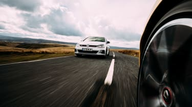 VW GTI TCR vs Megane RS Trophy - window