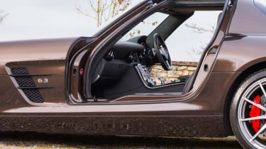 Mercedes-Benz SLS AMG – side (doors up)