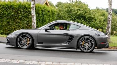 Porsche 981.2 Cayman GTS - profile