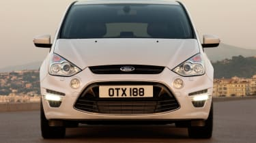 Ford S-MAX front view