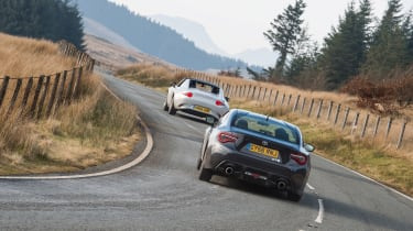 GT86 v MX-5 RF - rear cornering