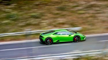 Lamborghini Huracán Evo RWD – side