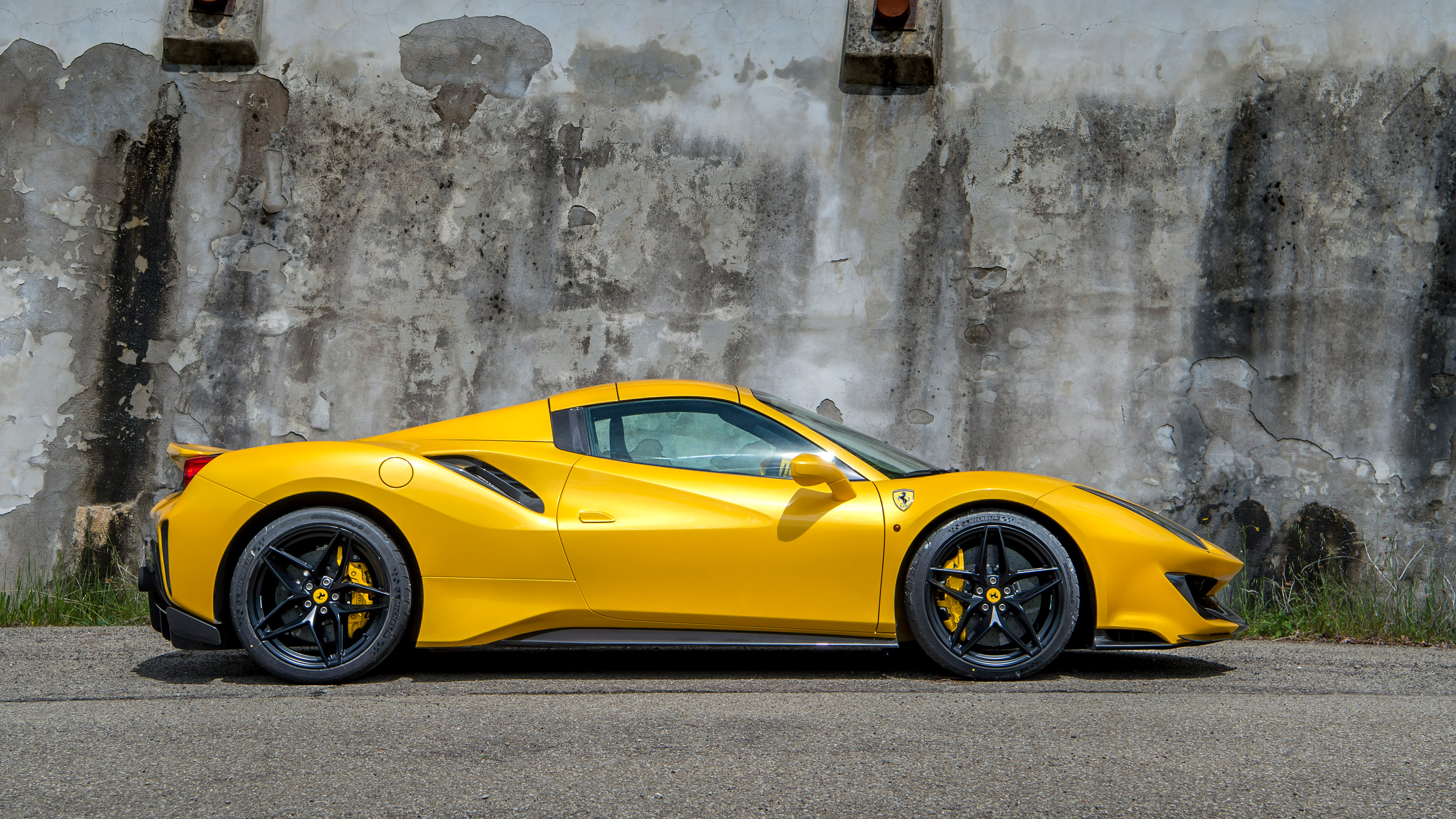Ferrari 488 Pista Spider Review Evo