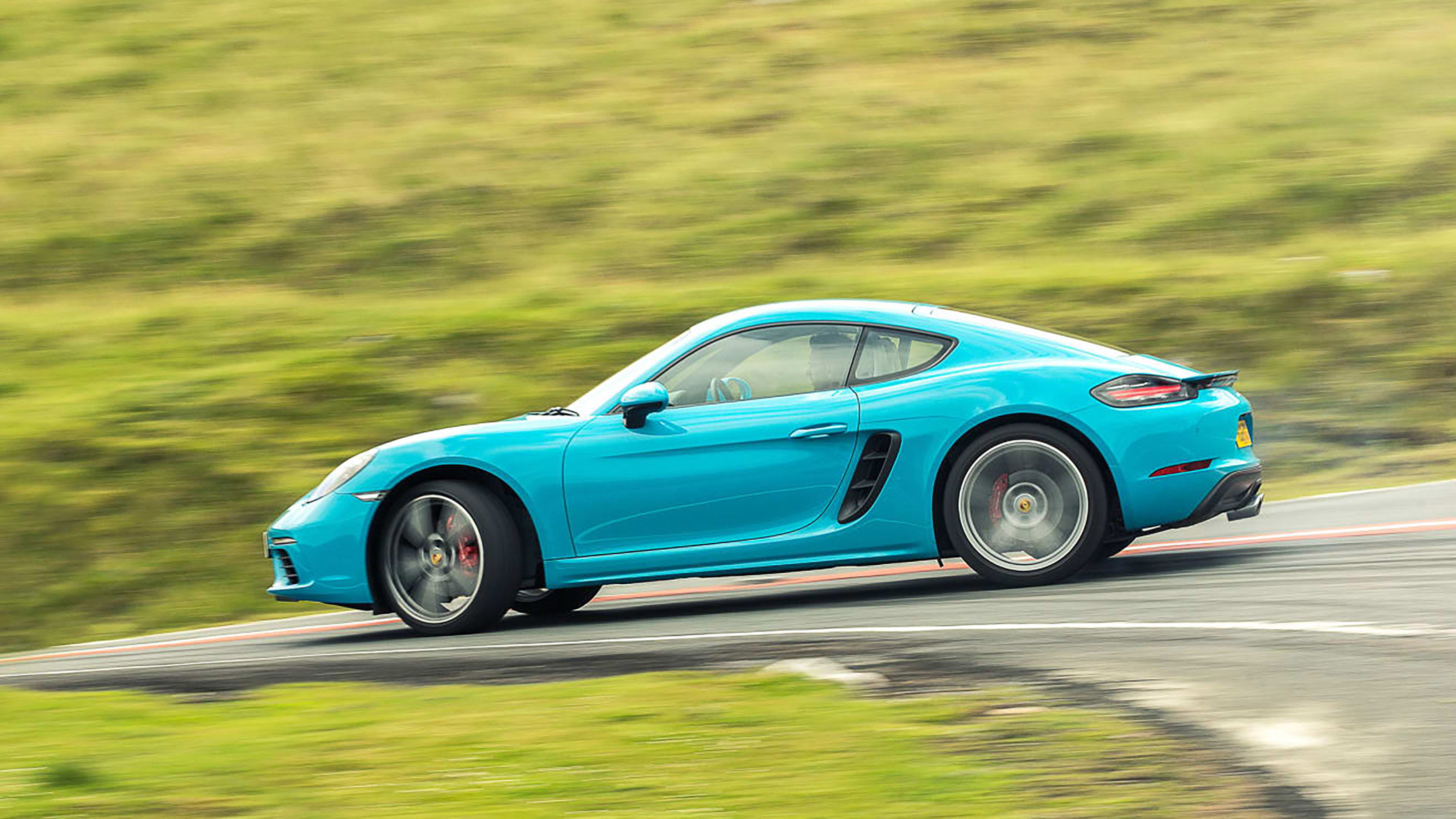 Porsche 718 Cayman Review The Entry Level Porsche Punches Above Its Weight Evo